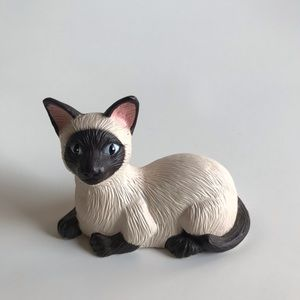 Vintage Takara chatty tabby Siamese cat toy
